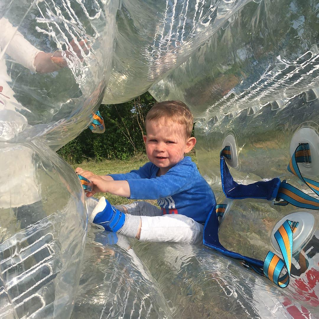 buborékfoci születésnap gyerekzsúr program ötlet